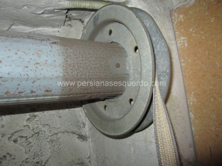 disc metàl·lic de cinta per eix metàl·lic