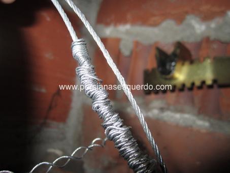 exemple de cable molt retorçat i trencat